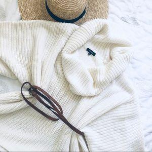 Oversized Shortsleeved Blanket Sweater
